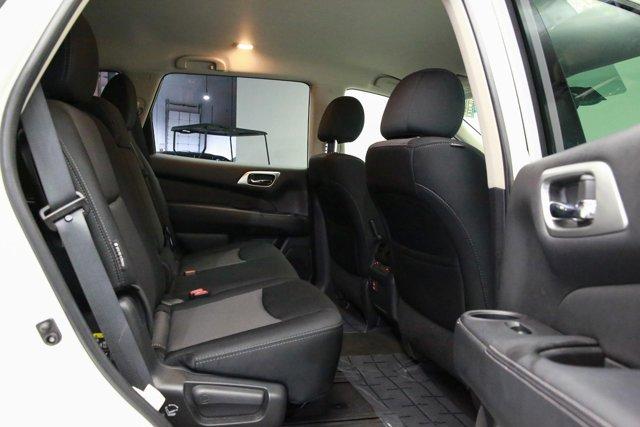 2018 Nissan Pathfinder for sale 120765 26