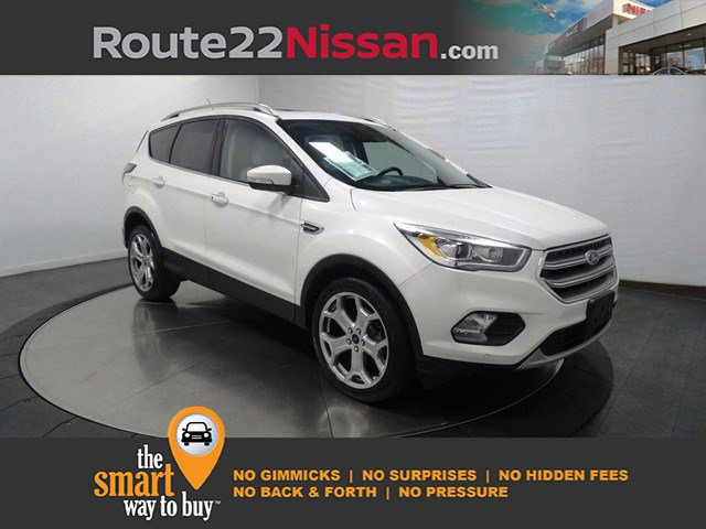 2017 Ford Escape Titanium Titanium 4WD Intercooled Turbo Premium Unleaded I-4 2.0 L/121 [2]