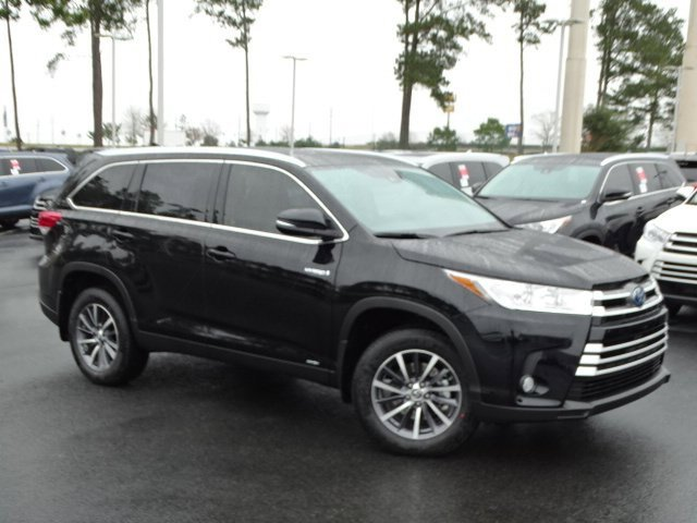 New 2019 Toyota Highlander Hybrid in Daphne, AL