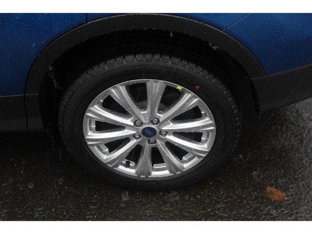 New 2017 Ford Escape Titanium 4WD