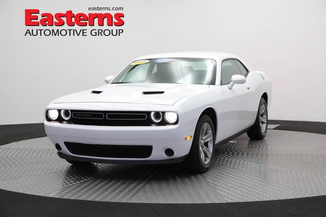 2019 Dodge Challenger SXT 2dr Car