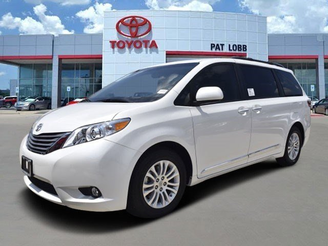New 2016 Toyota Sienna in McKinney, TX