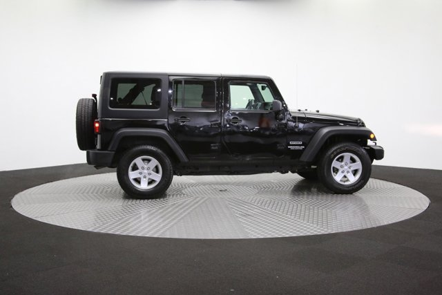 2016 Jeep Wrangler Unlimited 124726 39