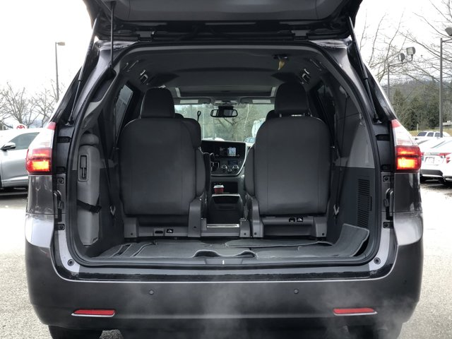 Used 2020 Toyota Sienna XLE