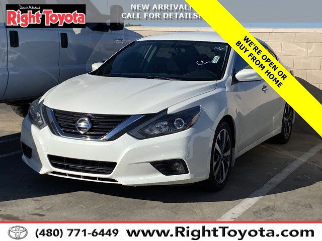2017 Nissan Altima 2.5 SR 2.5 SR Sedan Regular Unleaded I-4 2.5 L/152 [21]
