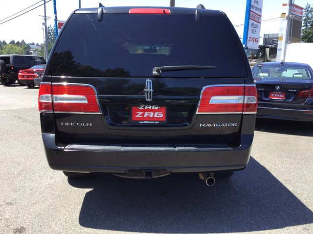 Used 2010 LINCOLN Navigator 4WD 4dr
