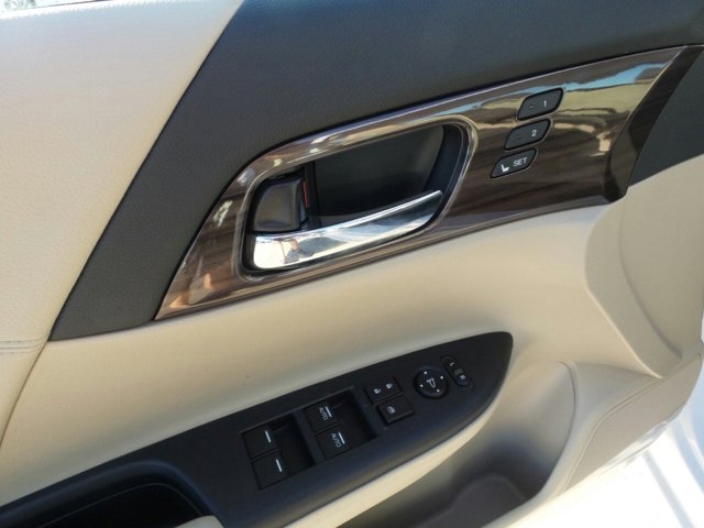 New 2017 Honda Accord Sedan EX-L CVT w-Navi and Honda Sensing