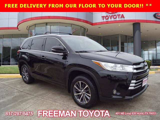 Used 2017 Toyota Highlander in Hurst, TX