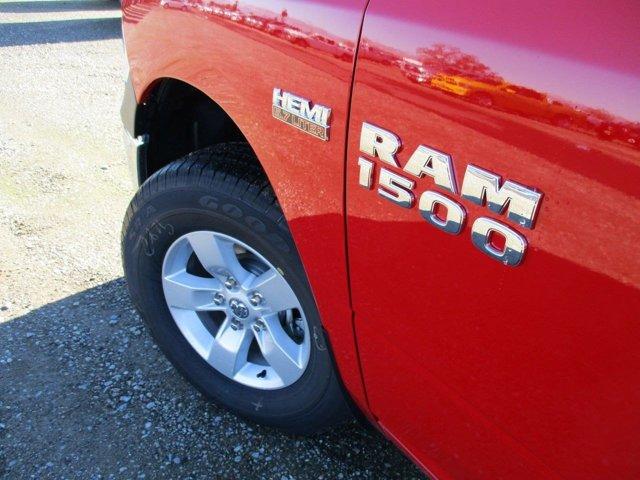New 2017 Ram 1500 Express 4x4 Crew Cab 5'7 Box