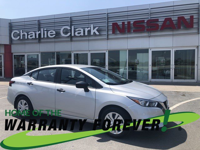 2021 Nissan Versa S S CVT Regular Unleaded I-4 1.6 L/98 [17]