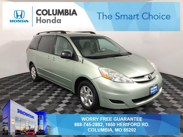 Used 2010 Toyota Sienna in Columbia, MO