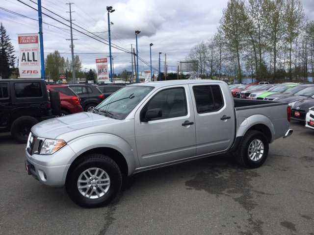 Used 2015 Nissan Frontier 4WD Crew Cab SWB Auto SV