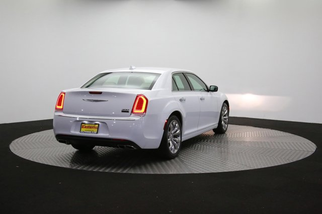 2019 Chrysler 300 122416 34