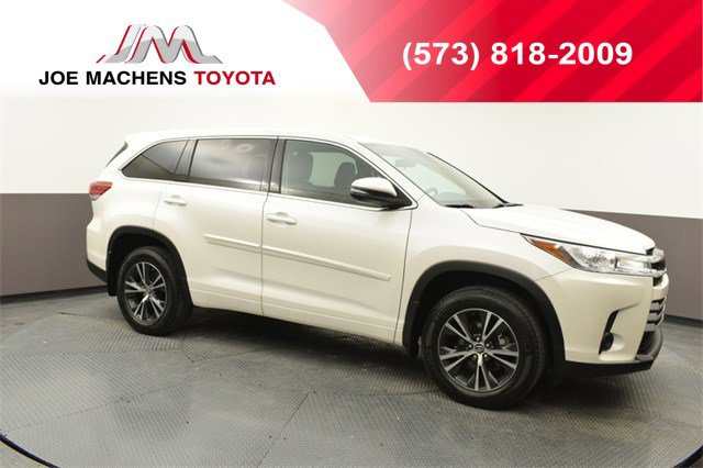 Used 2018 Toyota Highlander in Columbia, MO