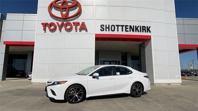 New 2020 Toyota Camry in Quincy, IL
