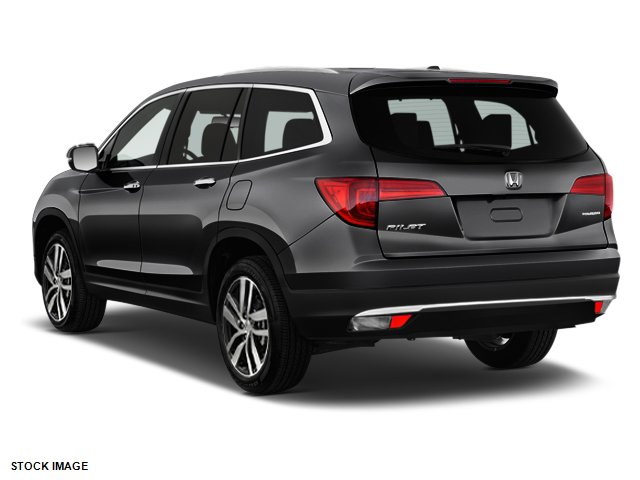 New 2017 Honda Pilot Touring 2WD