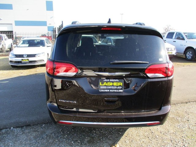 New 2017 Chrysler Pacifica Touring-L FWD