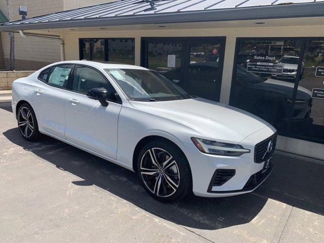 2021 Volvo S60 R-Design Expression