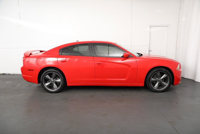 Used 2014 Dodge Charger 4dr Sdn SXT RWD