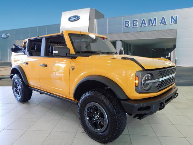 2021 Ford Bronco Badlands Badlands 4 Door Advanced 4x4 Intercooled Turbo Regular Unleaded I-4 2.3 L/140 [1]