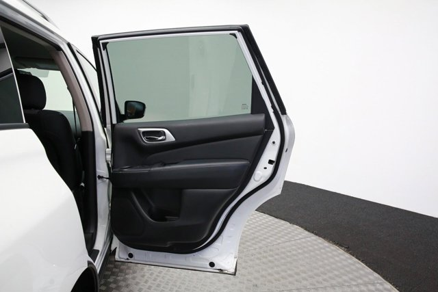 2018 Nissan Pathfinder for sale 120765 25