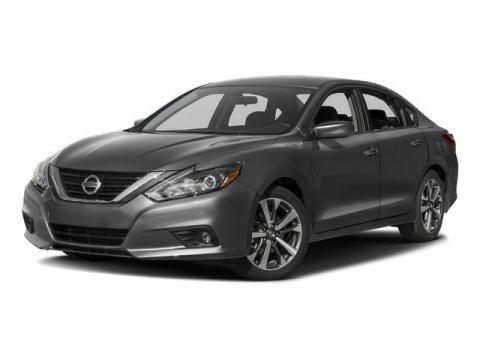 Used-2017-Nissan-Altima-20175-25-SR-Sedan