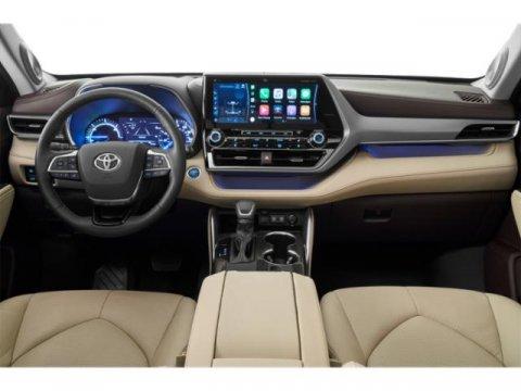New 2020 Toyota Highlander LE AWD