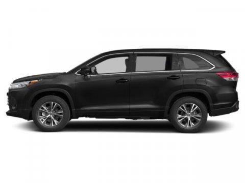 New 2019 Toyota Highlander LE I4 FWD