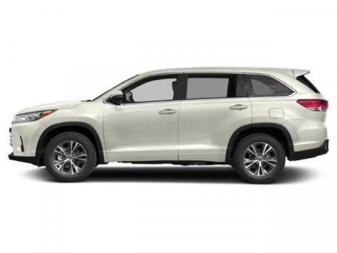 New 2019 Toyota Highlander LE Plus V6 AWD