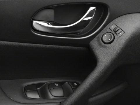 Used 2016 Nissan Rogue SV