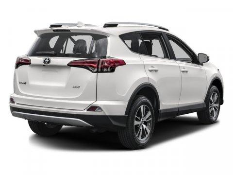 New 2018 Toyota RAV4 XLE FWD