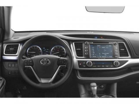 New 2019 Toyota Highlander SE V6 AWD