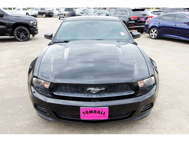 2012 Ford Mustang V6 BlackCharcoal Black V6 37L Automatic 79300 miles Drivers wanted for this