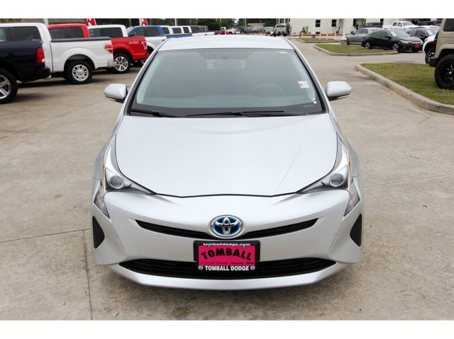 2016 Toyota Prius Two Classic Silver MetallicBlack V4 18 L Variable 7926 miles CARFAX 1 OWNE