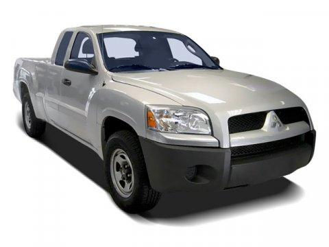 2008 Mitsubishi Raider LS
