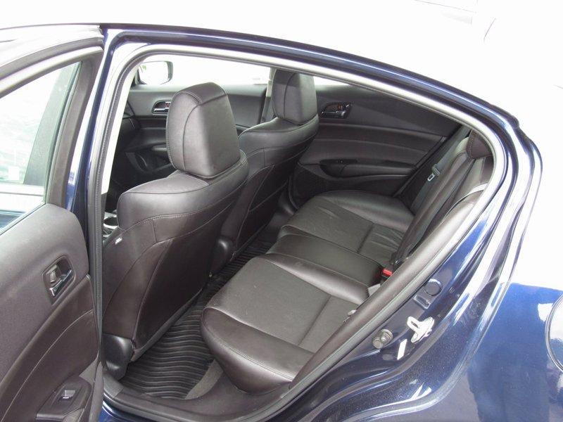 2014 Acura ILX 2.0L 4D Sedan