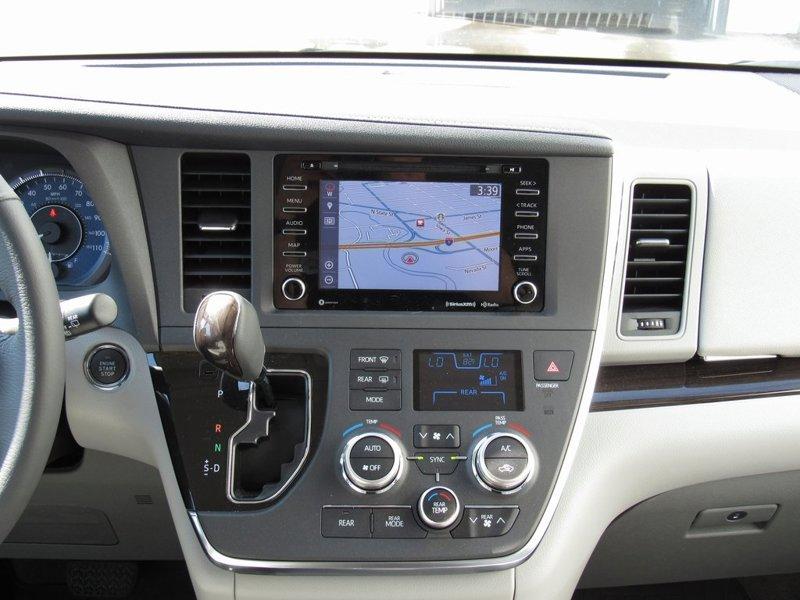 2018 Toyota Sienna XLE 4D Passenger Van