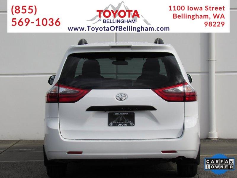 2020 Toyota Sienna L 4D Passenger Van