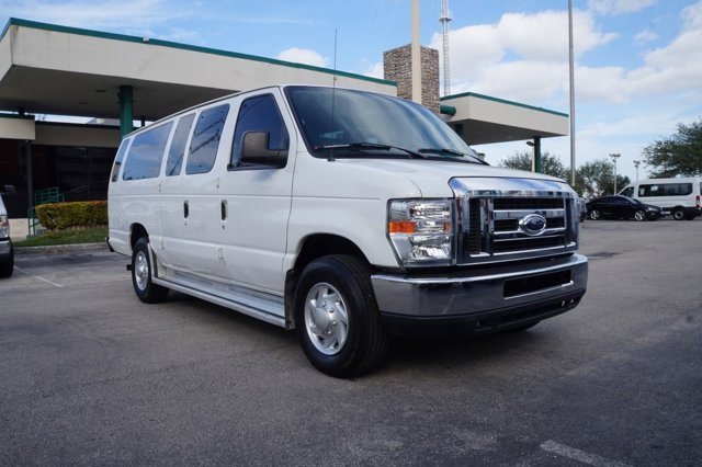 2014 Ford Econoline Wagon E-350 Super Duty Ext XLT