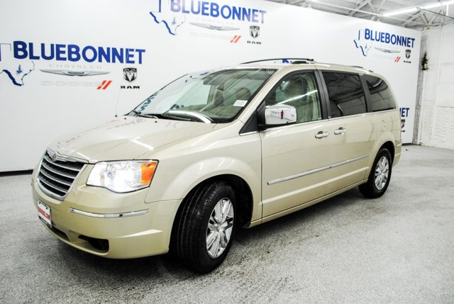 2010 Chrysler Town & Country 4dr Wgn Limited WHITE GOLD