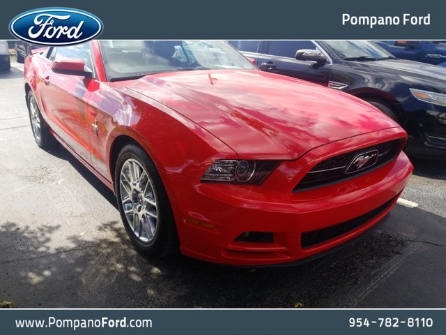 2013 Ford Mustang 2dr Conv V6 RED Cloth Bucket Seats CD player