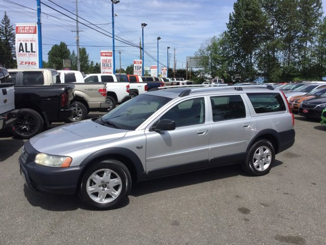 2006 Volvo XC70 2.5L Turbo AWD w/Sunroof SILVER METALLIC