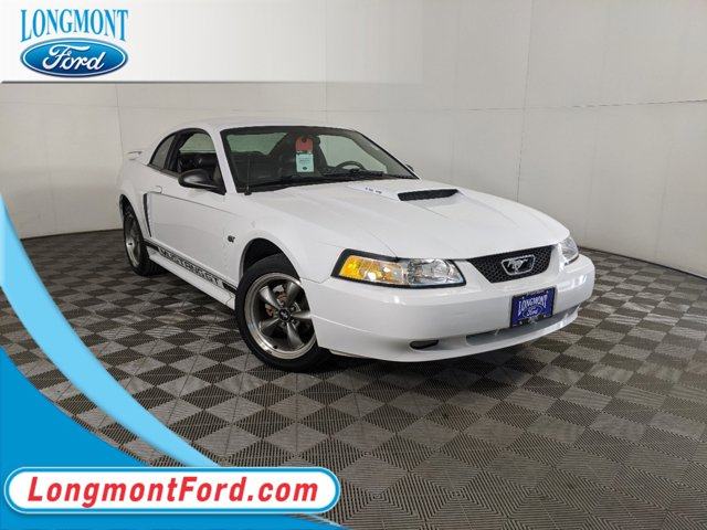 2003 Ford Mustang WHITE CD player Bumpers: body-color