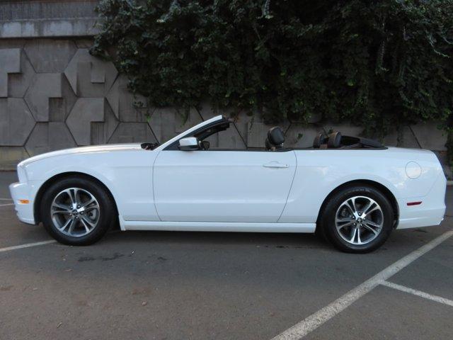 2014 Ford Mustang 2dr Conv V6 Premium OXFORD WHITE