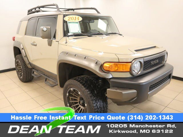 2014 Toyota FJ Cruiser 4WD 4dr Auto Brake Assist