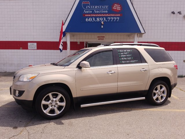 2008 Saturn Outlook AWD 4dr XR GOLD