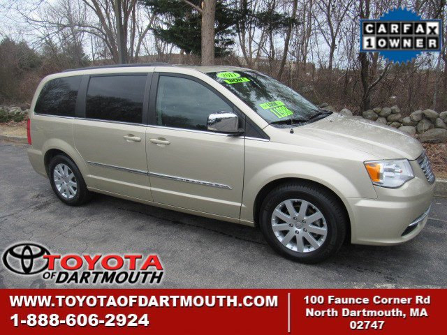 2011 Chrysler Town & Country 4dr Wgn Touring-L WHITE GOLD