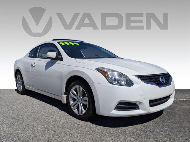 2012 Nissan Altima 2dr Cpe I4 CVT 2.5 S WINTER FROST PEARL