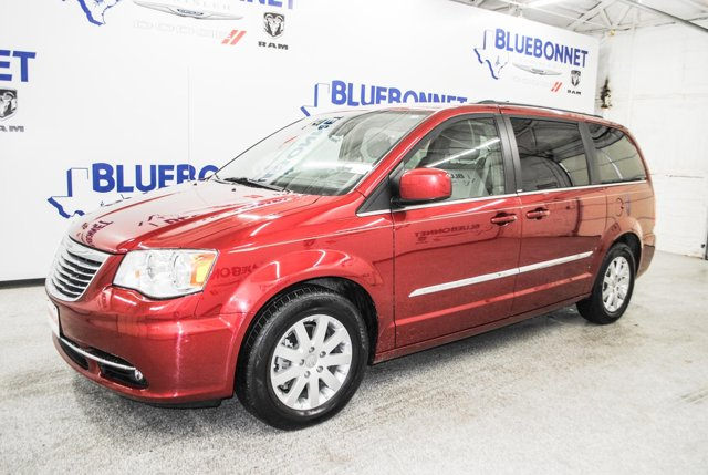 2014 Chrysler Town & Country 4dr Wgn Touring Deep Cherry Red