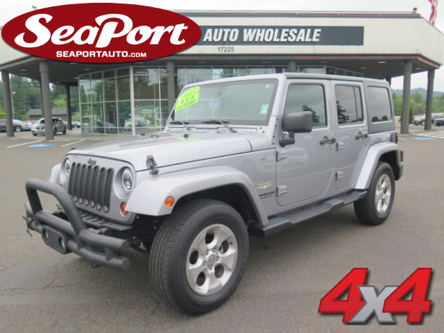 2013 Jeep Wrangler Unlimited 4WD 4dr Sahara SILVER